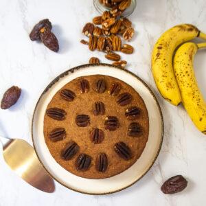 Dattel-Bananenkuchen schön serviert