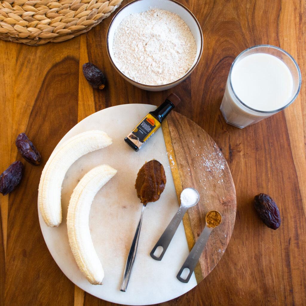 Zutaten für Dattel Bananen Pancakes