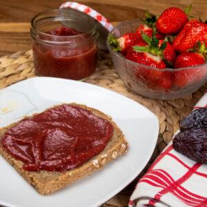 Erdbeermarmelade mit Datteln - ohne Zucker
